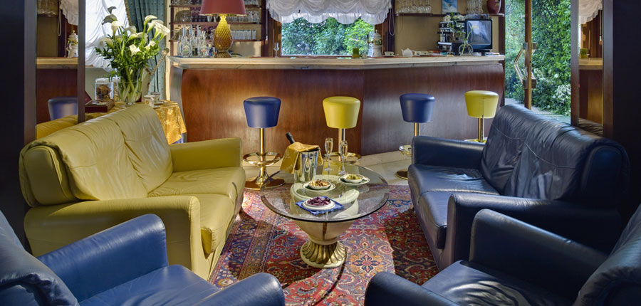 Hotel San Pietro, Bardolino, Lake Garda, Italy - Lounge Bar.jpg